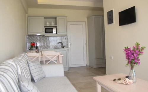 Irida Apartment